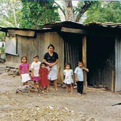 Construcción de viviendas. El Salvador. FSySM