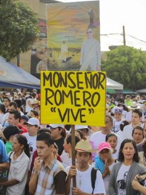 Miles-Salvador-Mundo-Monsenor-Romero_LNCIMA20150523_0058_27